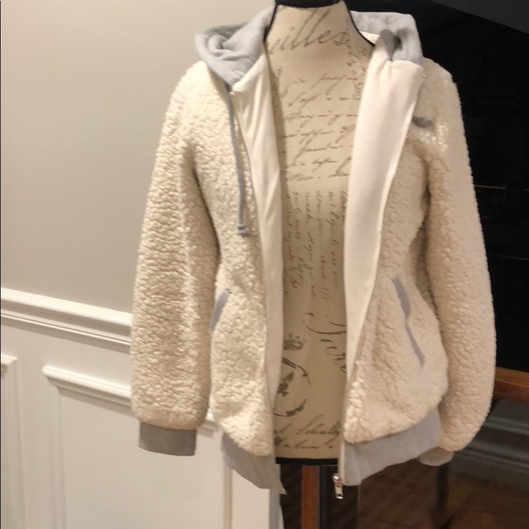 Forever 21 Jackets & Blazers - Forever 21 shearling jacket